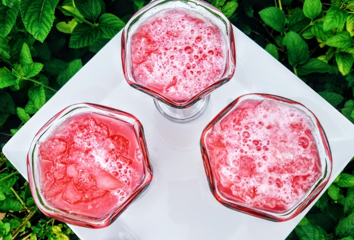 Fresh Home Made Pomegranate Slushy (Health Benefits of Pomegranates)
